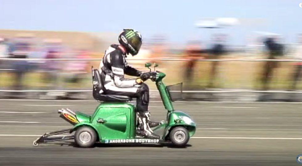 A 174 km/h… con un scooter de movilidad reducida