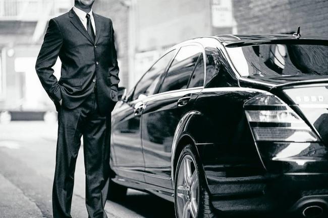 Uber vuelve a Madrid con licencias de alquiler de coche con conductor