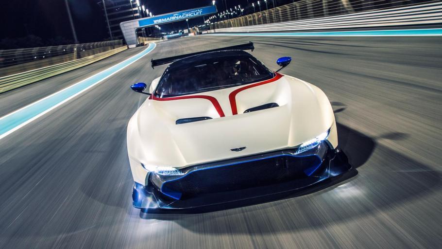 El Aston Martin Vulcan es un 'animal' de circuito