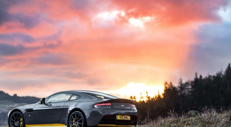 Aston Martin V12 Vantage S 2017