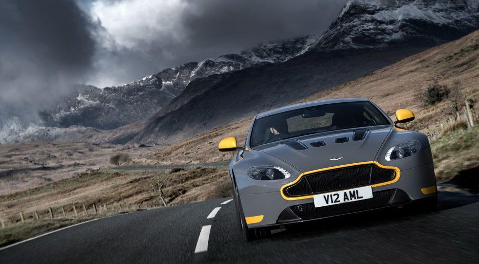El Aston Martin V12 Vantage S, ahora con caja de cambios manual