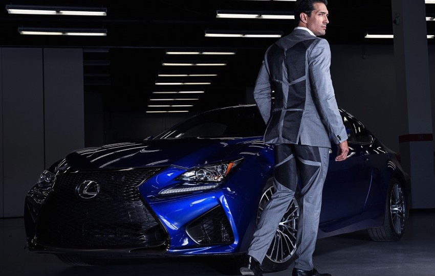 Lexus V-LCRO