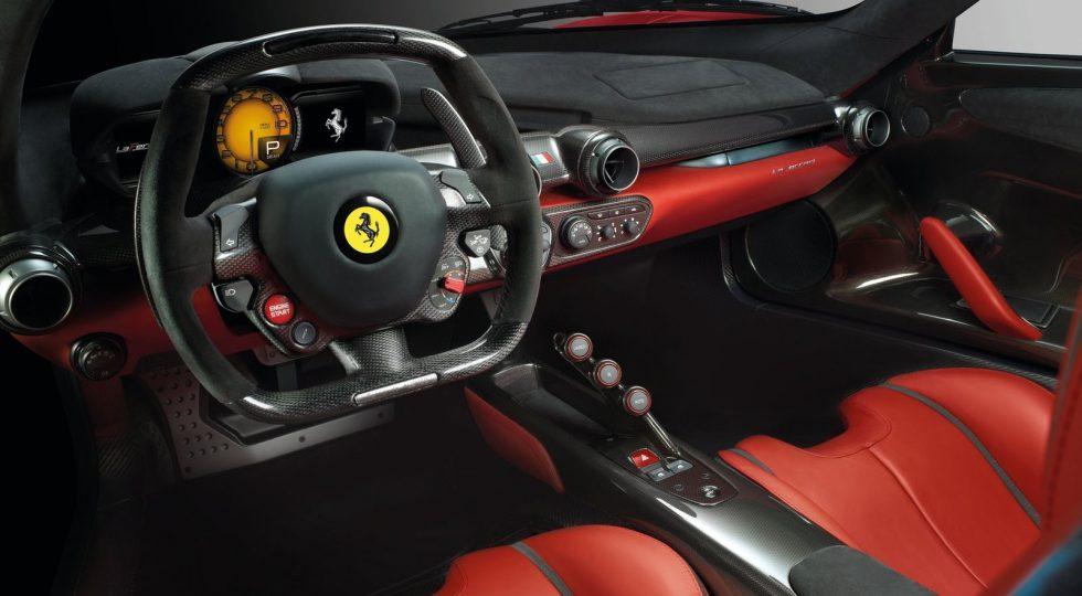 Ferrari LaFerrari salpicadero