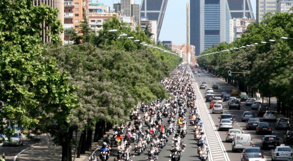 Harley Davidson en el paseo de la Castellana Madird