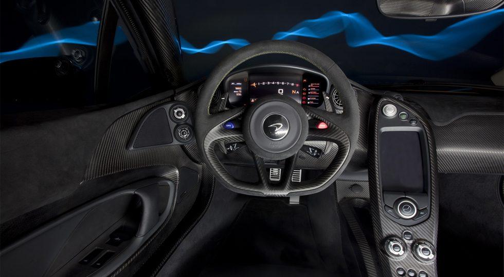 McLaren P1 salpicadero