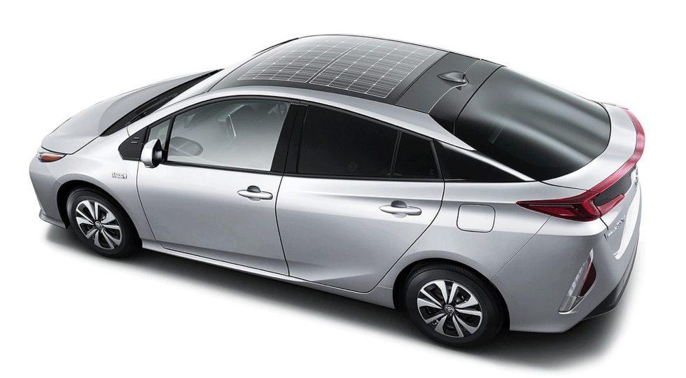 Prius Plug-in con placas solares