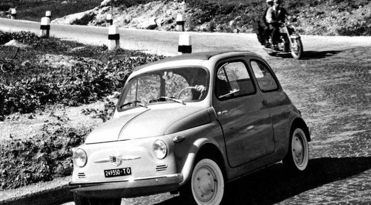 La evolución en el tiempo de coches eternos
