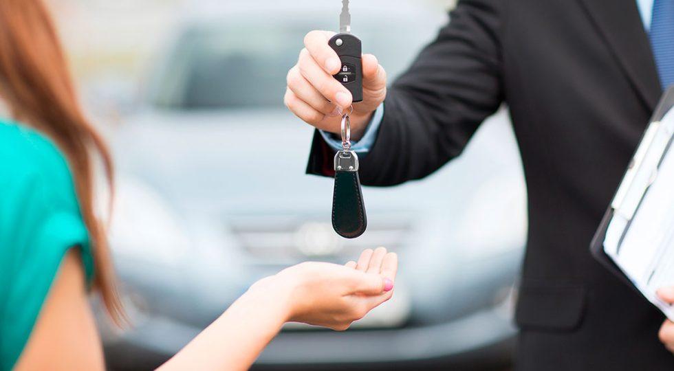 alquilar coche semana santa
