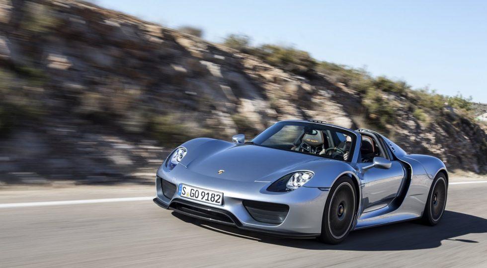 Pintura Liquid Metal Chrome Blue del Porsche 918 Spyder: 59.500 euros