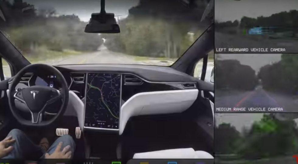 Este vídeo enseña en detalle cómo funciona el coche autónomo de Tesla