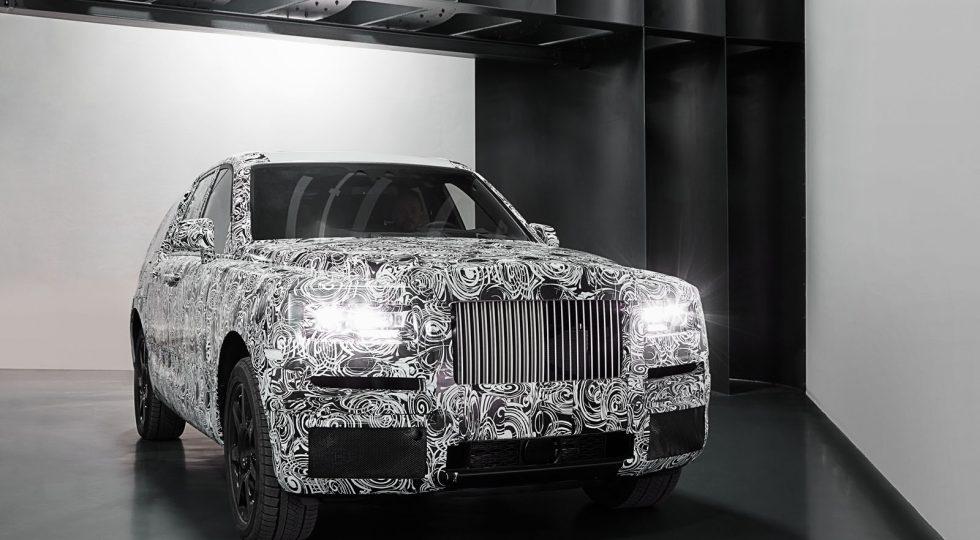Rolls Royce Cullinan entre los coches 2017