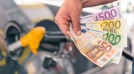 10 maneras de ahorrar combustible (sin esfuerzo) en 2018