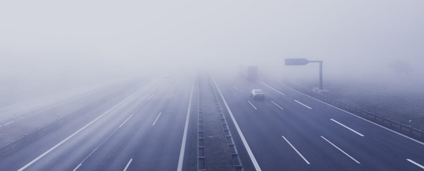 consejos conducir con niebla