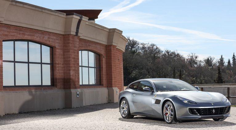 El Ferrari GTC4 Lusso, foto a foto