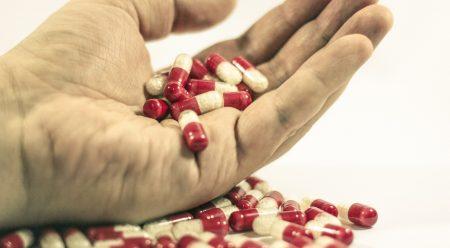 Si tomas uno de estos 6 medicamentos, mucha precaución al conducir