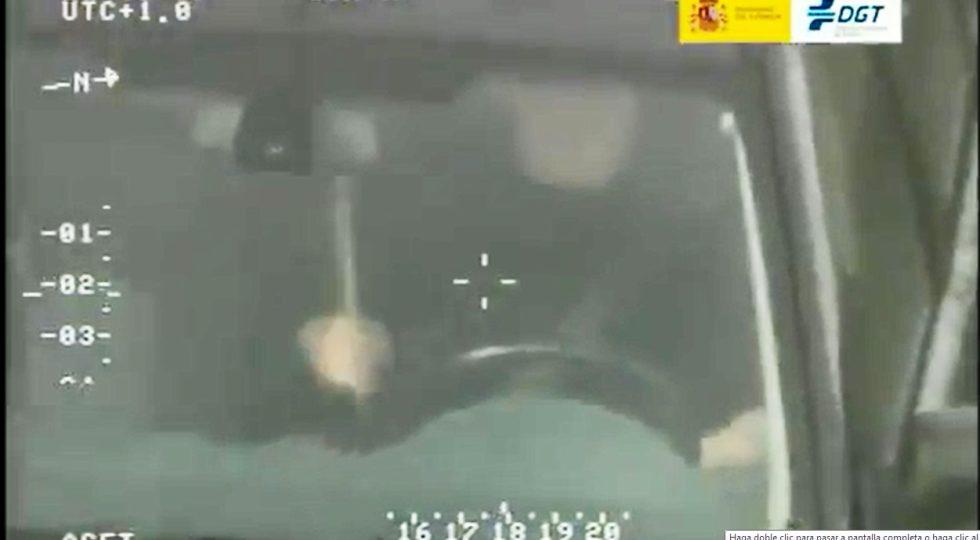 Cómo jugársela al volante tocando la batería