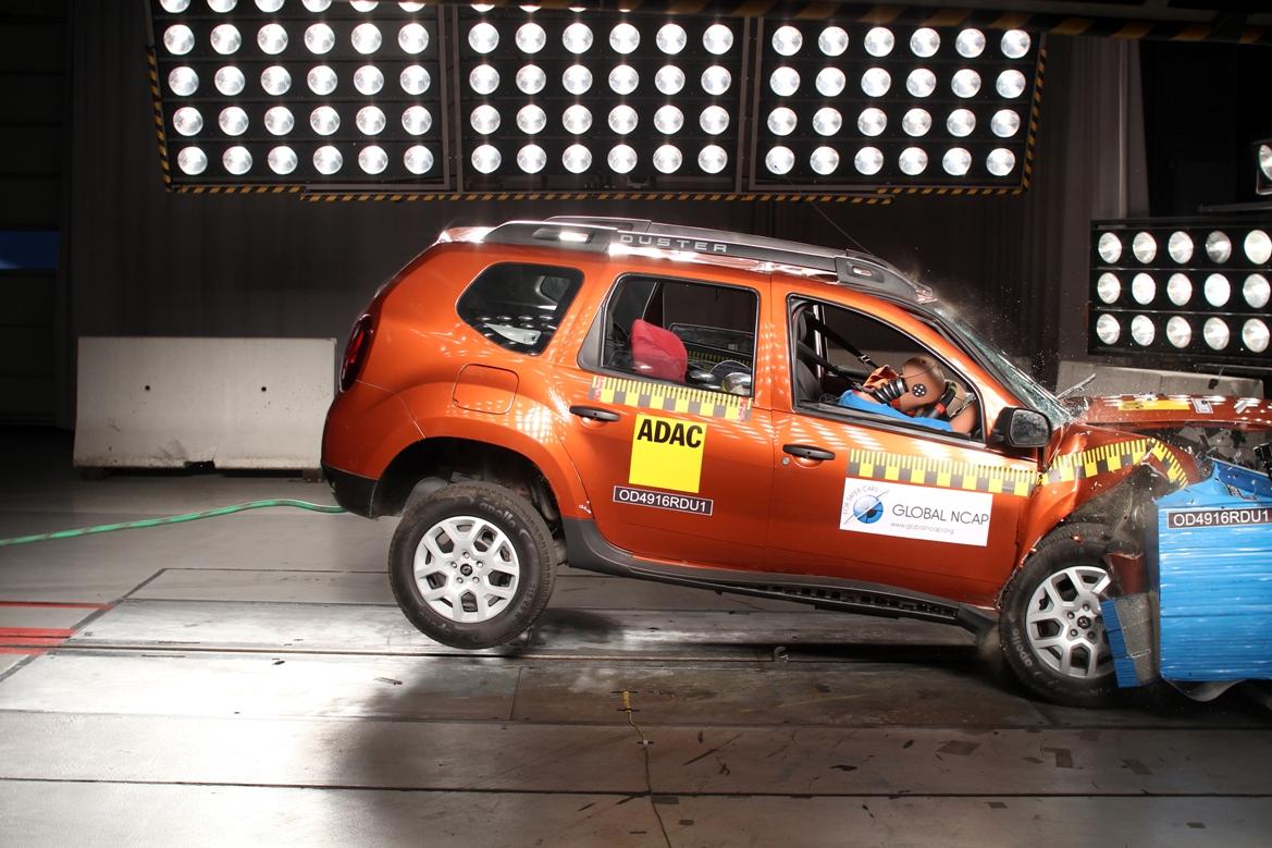 Por qué no deberías montarte en este Renault Duster indio