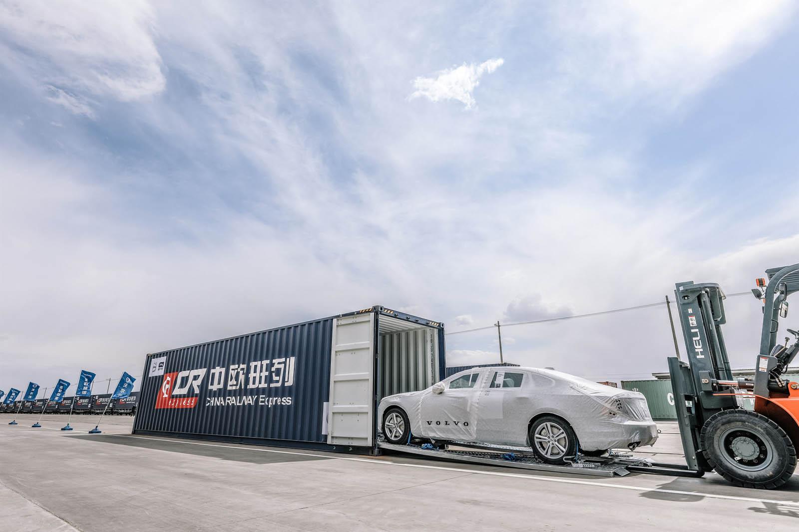 Los Volvo S90 europeos llegarán desde China… ¡en tren!