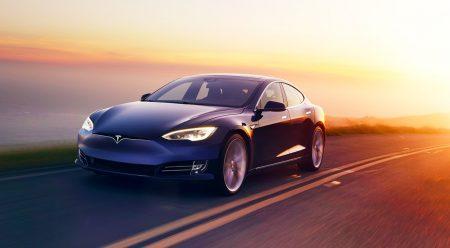 El Tesla Model S supera al Porsche Taycan en Nürburgring