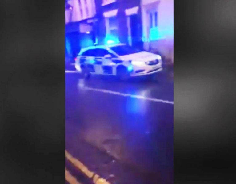 La sorprendente maniobra de aparcamiento de un coche policial