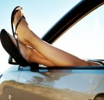 ¿Te multan por conducir con chanclas? Un tuit de la Guardia Civil reabre la polémica