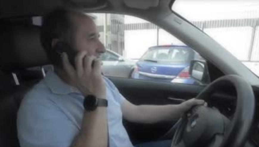 Vídeo: la Guardia Civil exprime el humor absurdo para dar consejos
