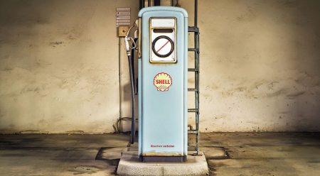 Calcula cuánto gastaría tu coche si fuera eléctrico o de gas
