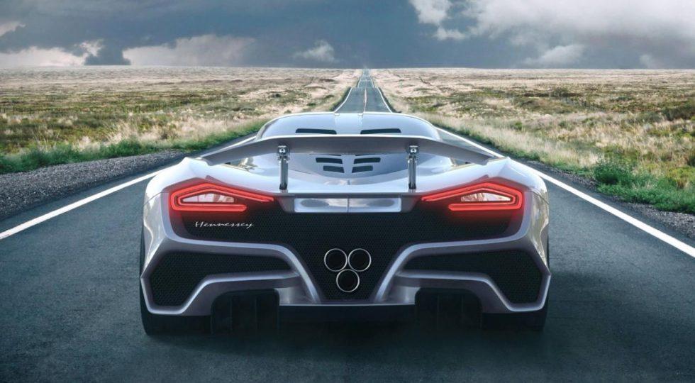 1. Hennesey Venom F5: 482 km/h