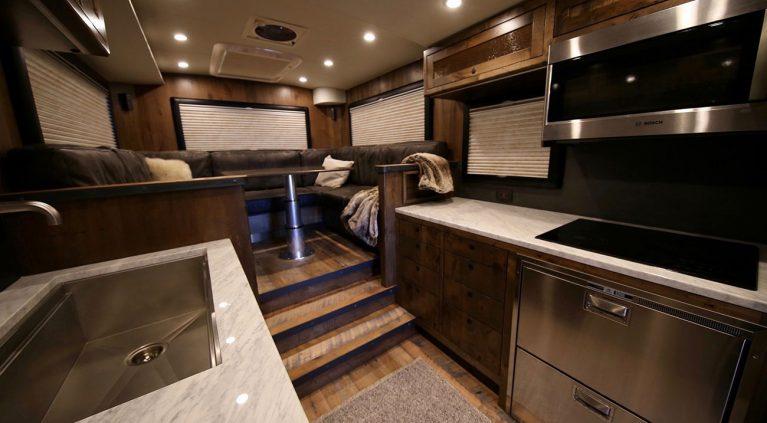 EarthRoamer XV-HD: el lujo hecho autocaravana