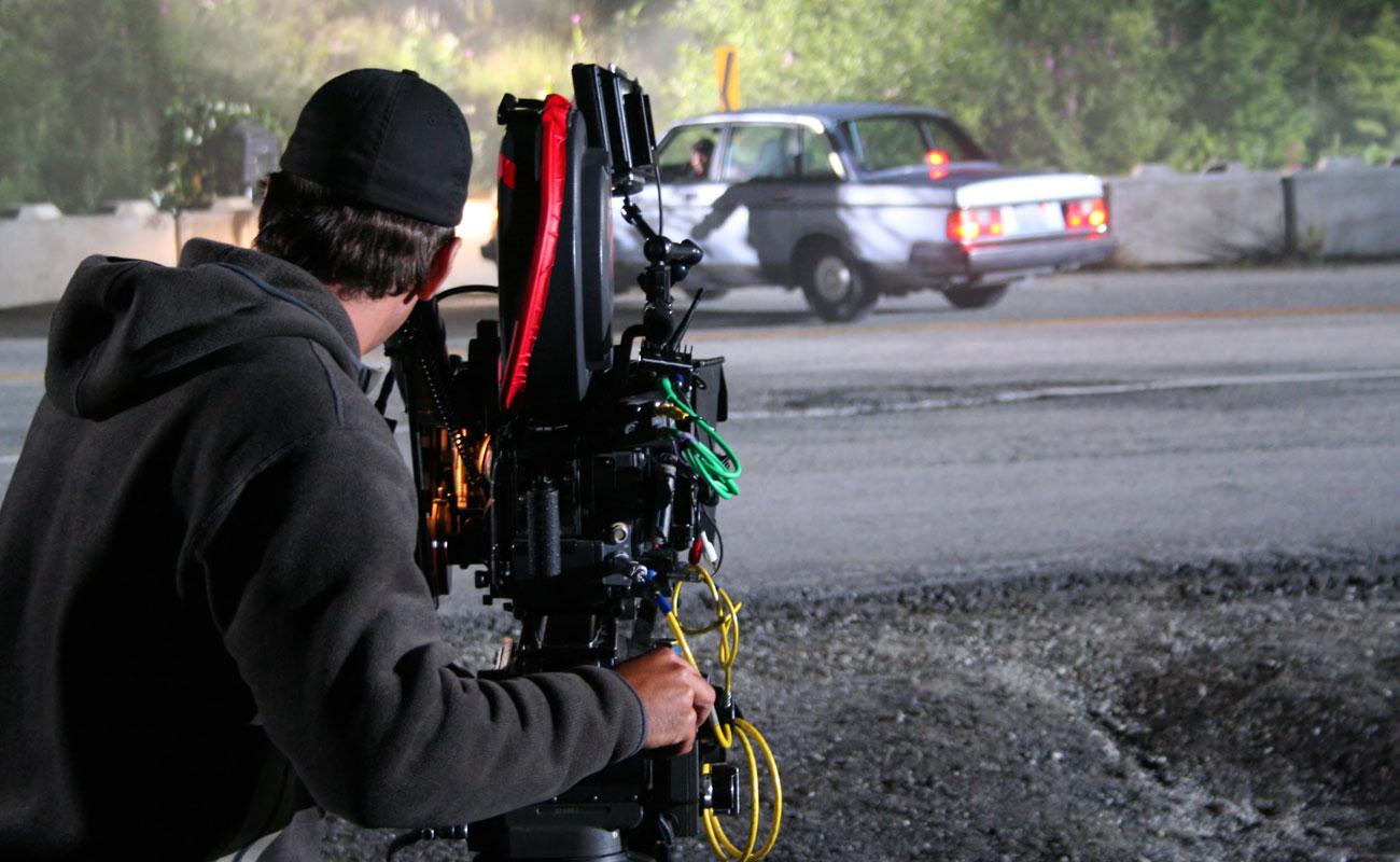 8 cosas que pasan con los coches en las películas… y son imposibles