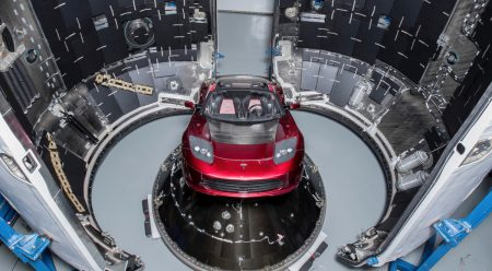 Elon Musk va a mandar un Tesla al espacio