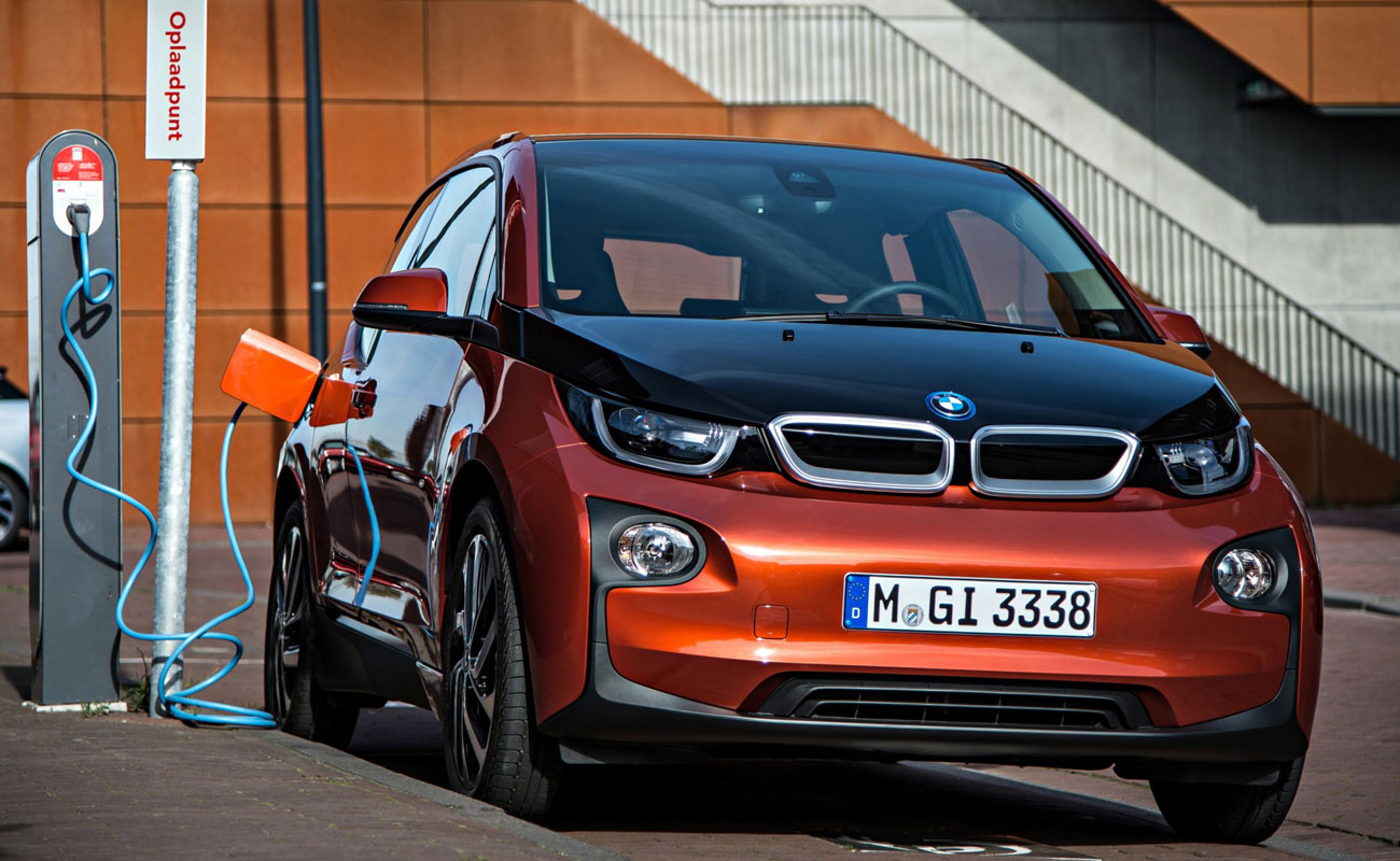 Por qué tengo que comprarme un coche eléctrico (o no)