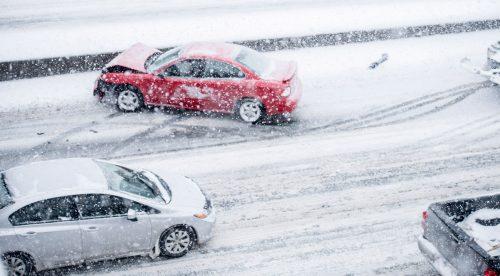Siete claves para que tu coche no patine en el hielo o en la nieve