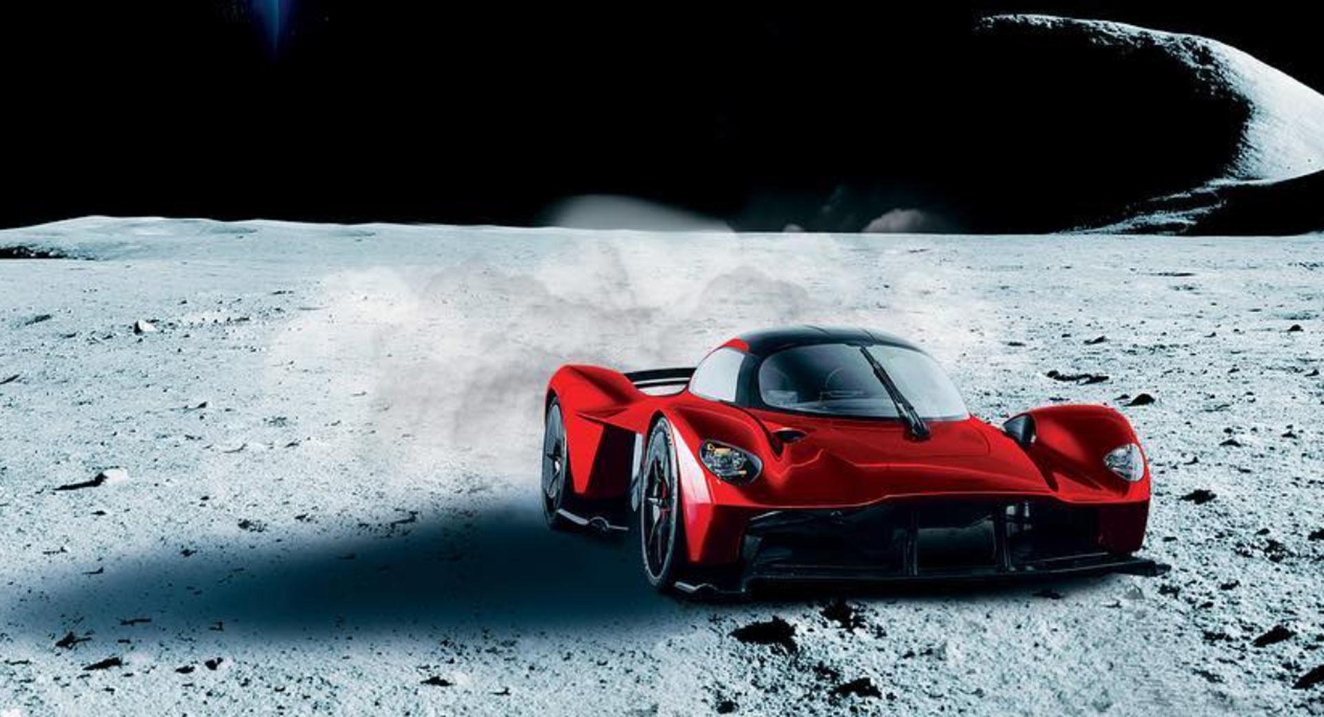 Aston Martin Valkyrie con polvo de Luna