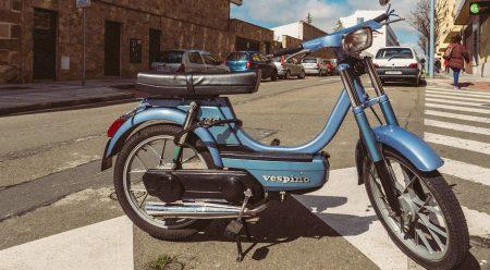 50 años del Vespino, el ciclomotor que puso a España sobre dos ruedas