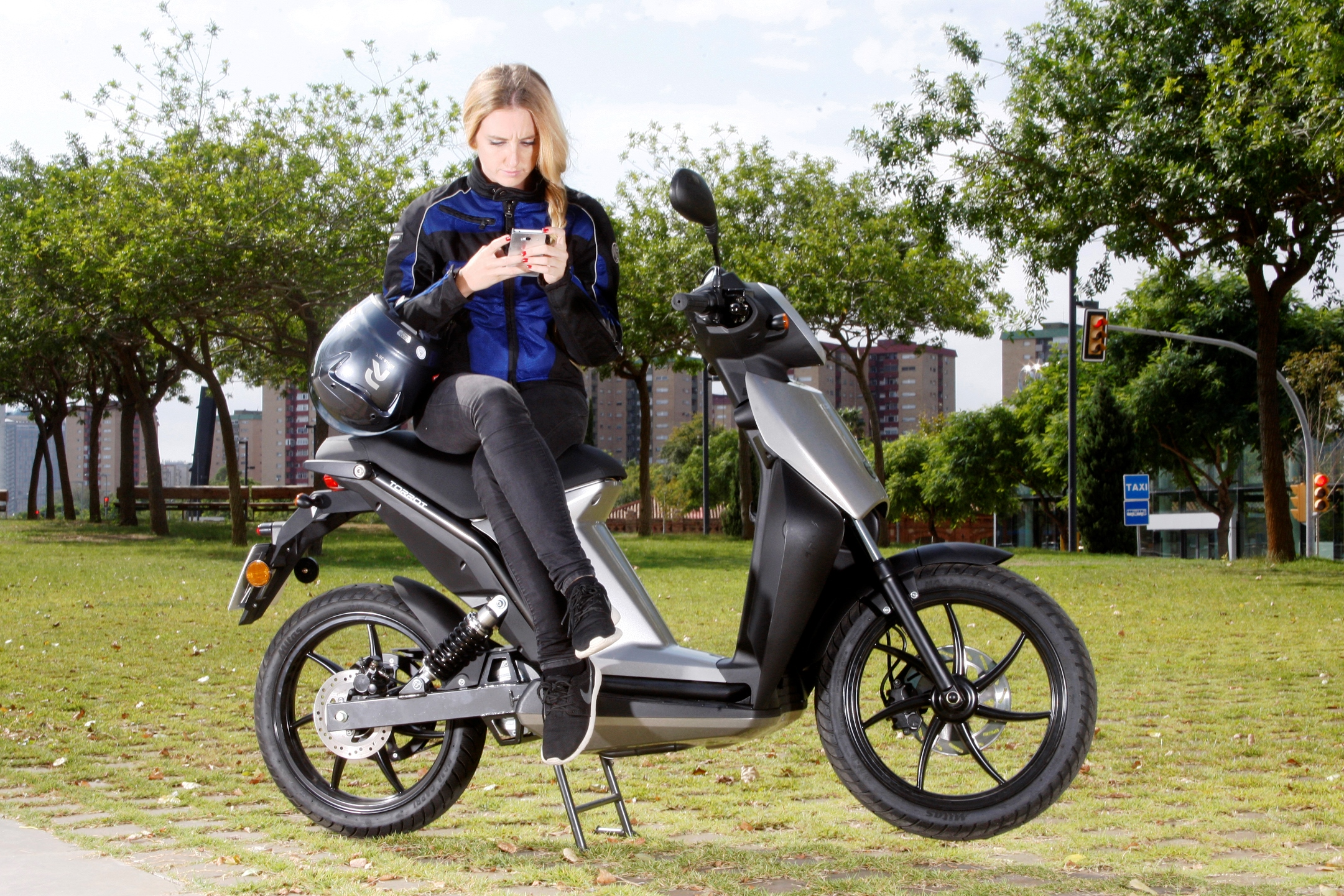 La moto eléctrica busca su espacio en la movilidad urbana