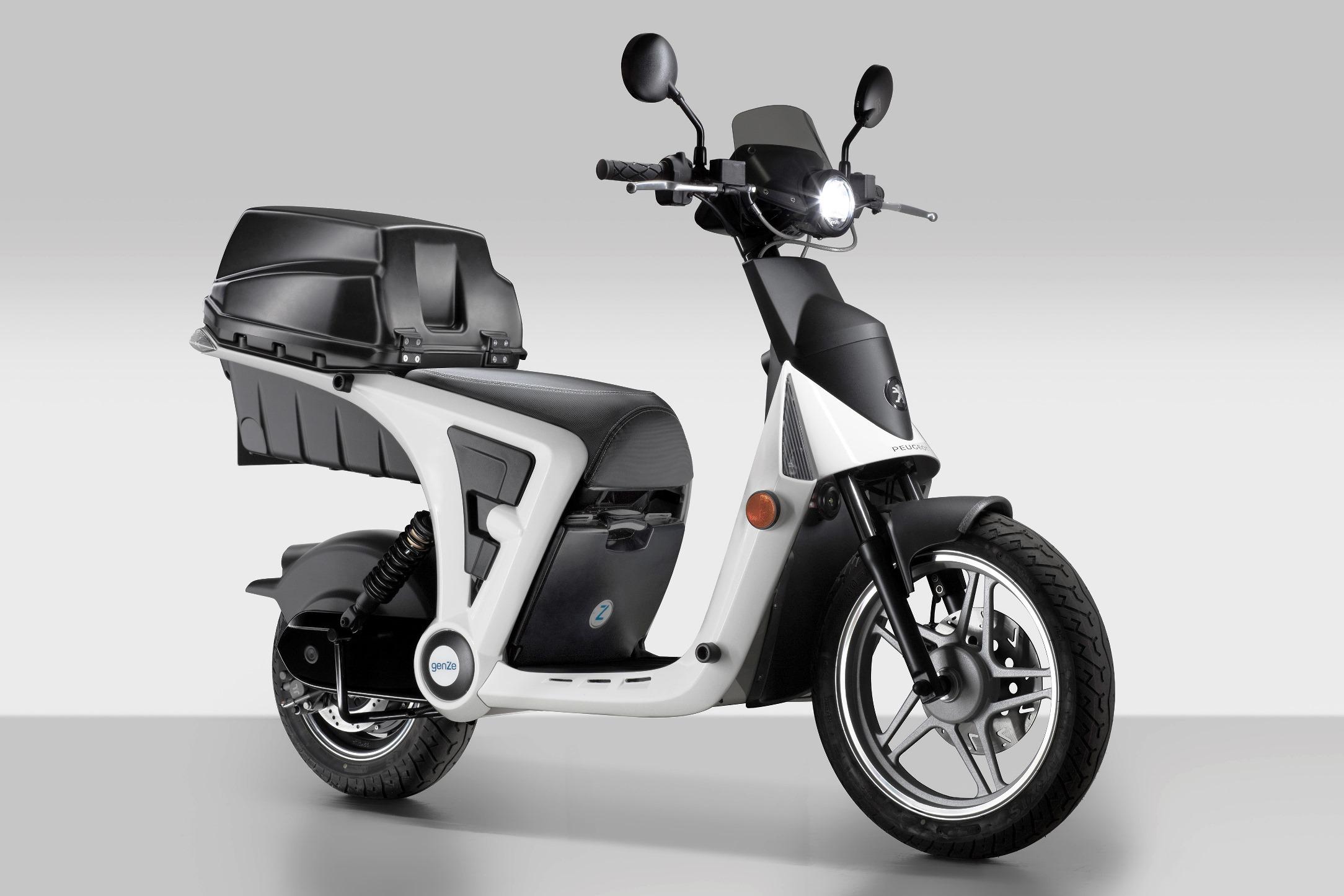 peugeot tambi n apuesta por la moto compartida para particulares y empresas. Black Bedroom Furniture Sets. Home Design Ideas