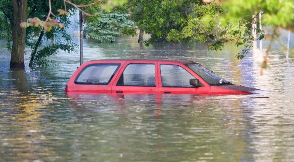 inundaciones coche