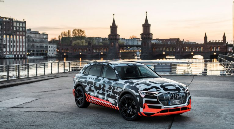 El Audi e-tron rueda camuflado por Berlín