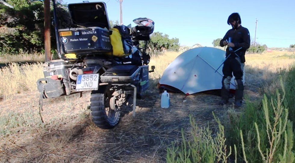 Charly Sinewan y sus trucos de acampada