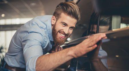 Si eres 'millennial', esta es la mejor manera de comprarte coche