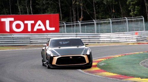El Nissan GT-R del millón de euros lo da todo en circuito