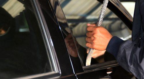 Cómo denunciar el robo del coche, reclamar al seguro y evitar una multa