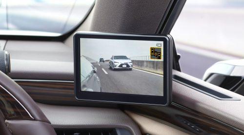 El Lexus ES sustituye los retrovisores por cámaras