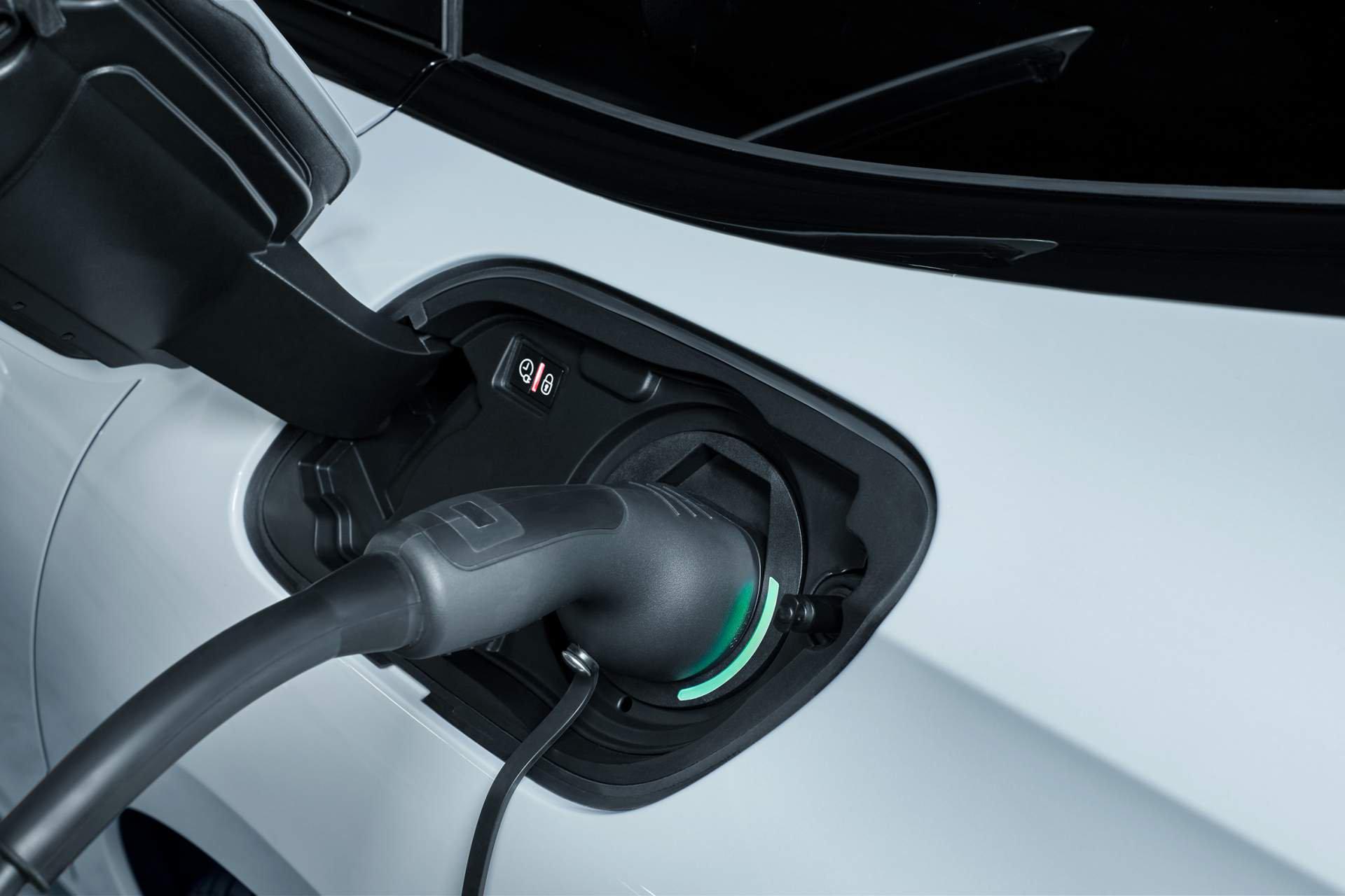Peugeot hibrido enchufable