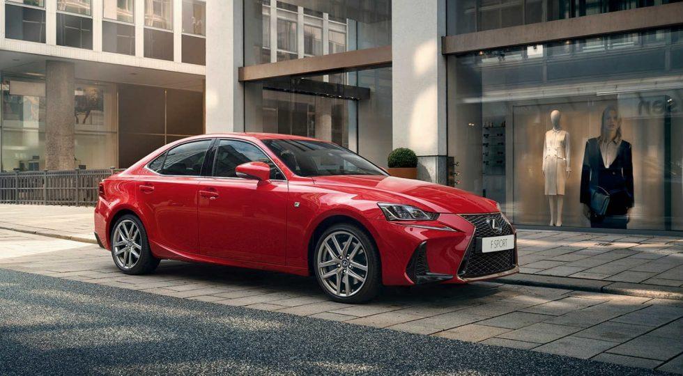 Lexus IS 300h: 35.900 euros
