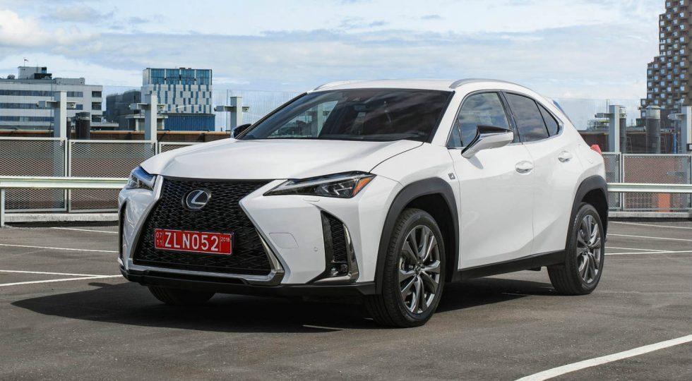Lexus UX: 33.900 euros