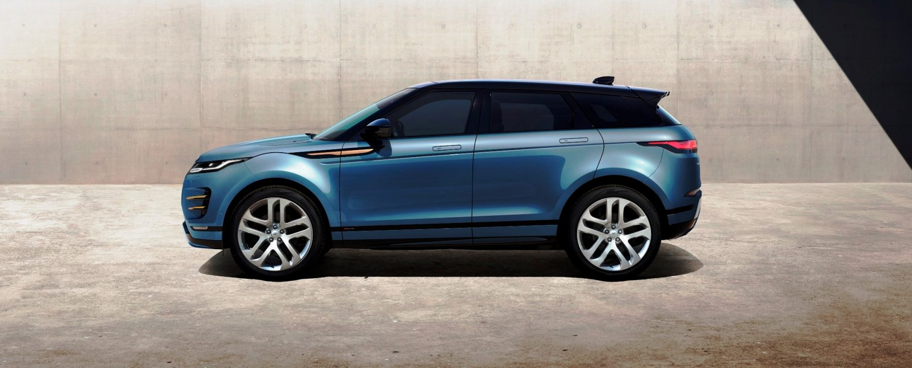 4bb56c1cc5154 El diseño de la segunda generación del Evoque es continuista.   Land Rover