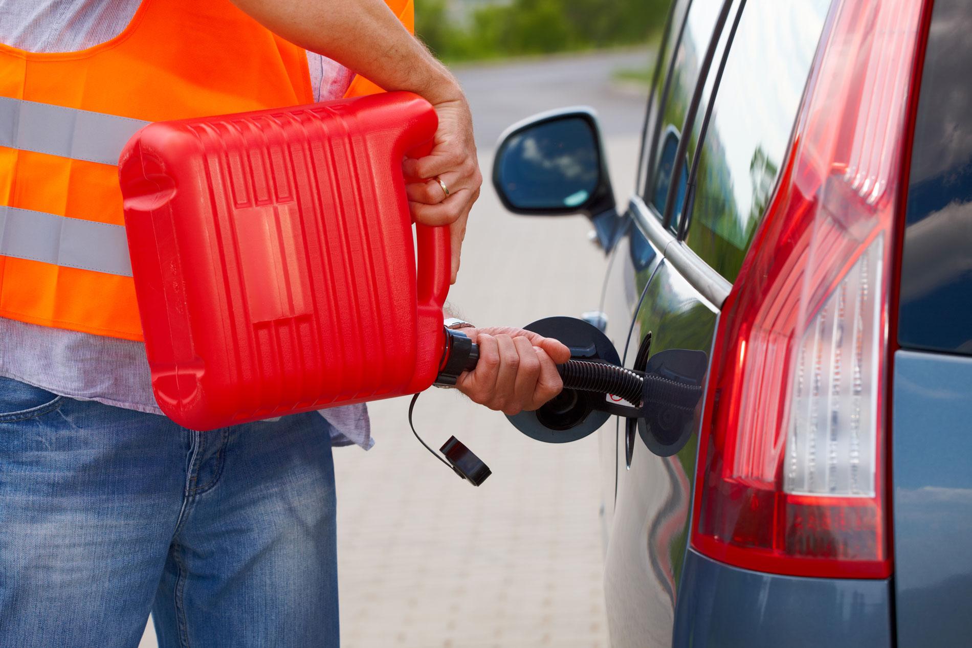 Qué Consecuencias Mecánicas Y Legales Tiene Quedarse Sin Gasolina