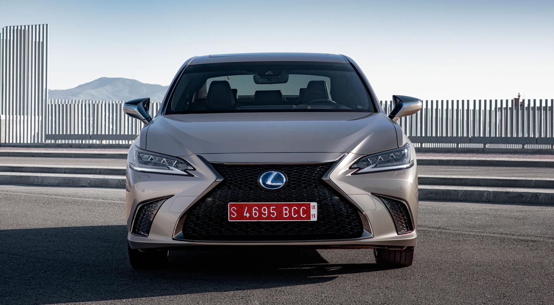Lexus ES, un diseño afilado y un interior exquisito